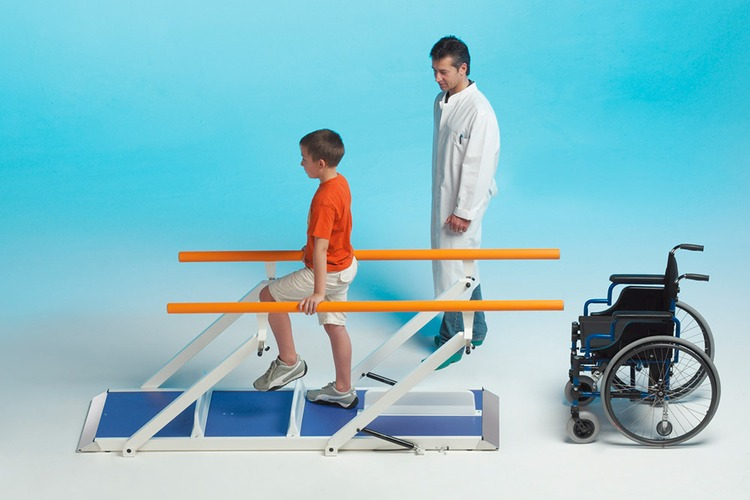 CHILDRENS PARALLEL BARS PLUS 3M
